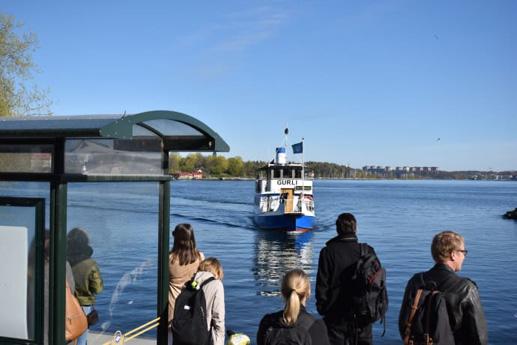 Pendelbåten lockar många nya resenärer