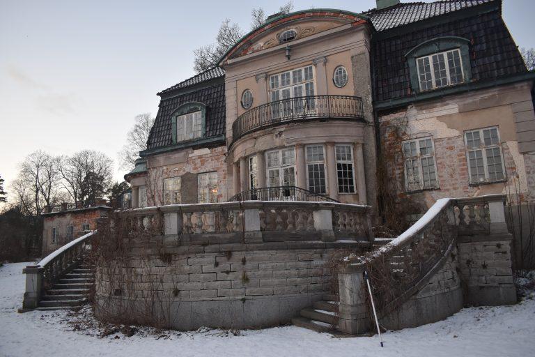 Slottet på Storholmen sålt för 22 milj kr