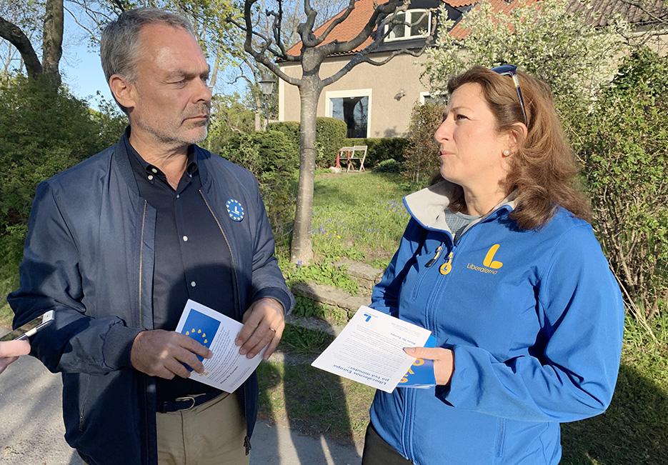 Jan Björklund knackade dörr i Hersby