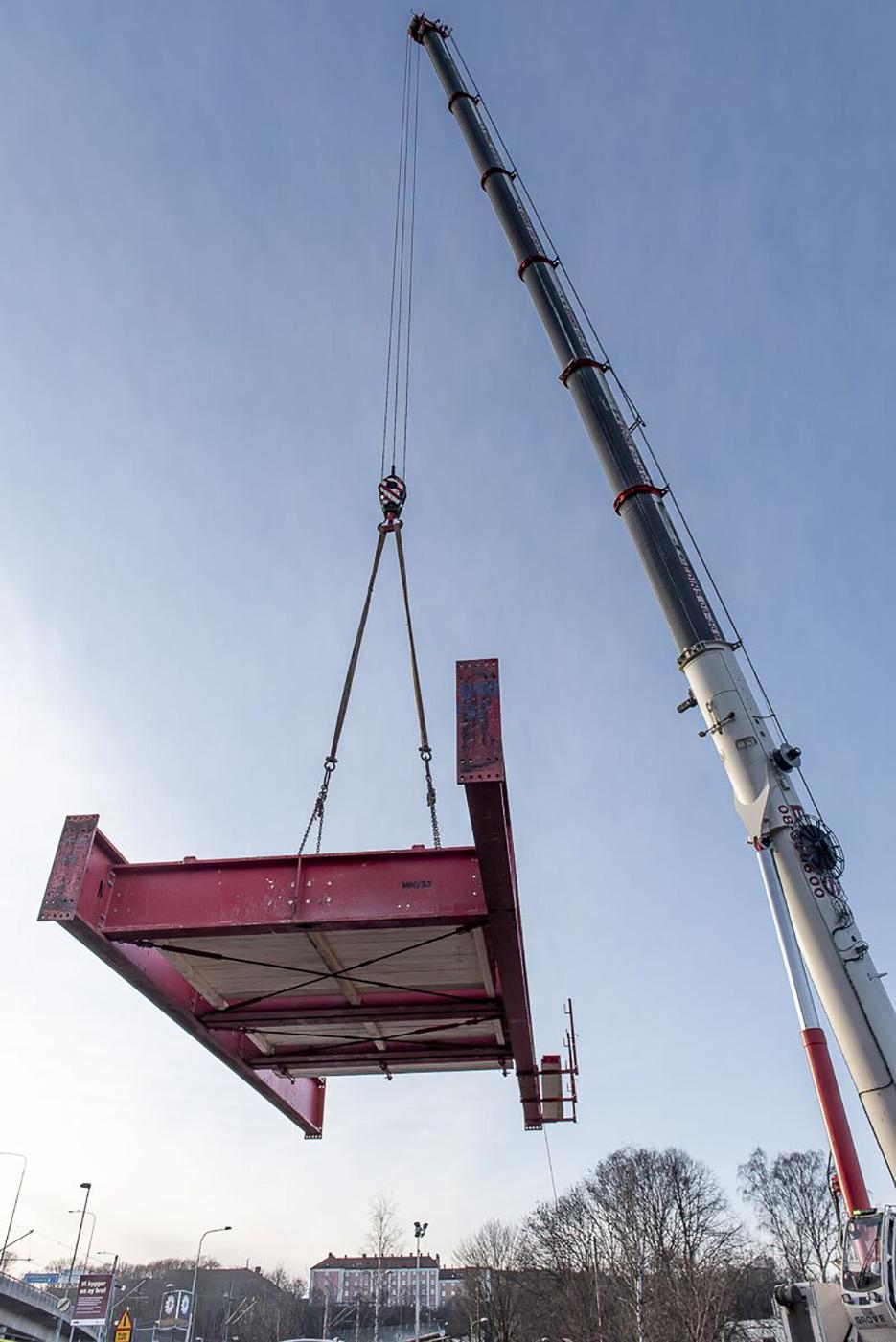 Balksystem monteras på Lilla Lidingöbron