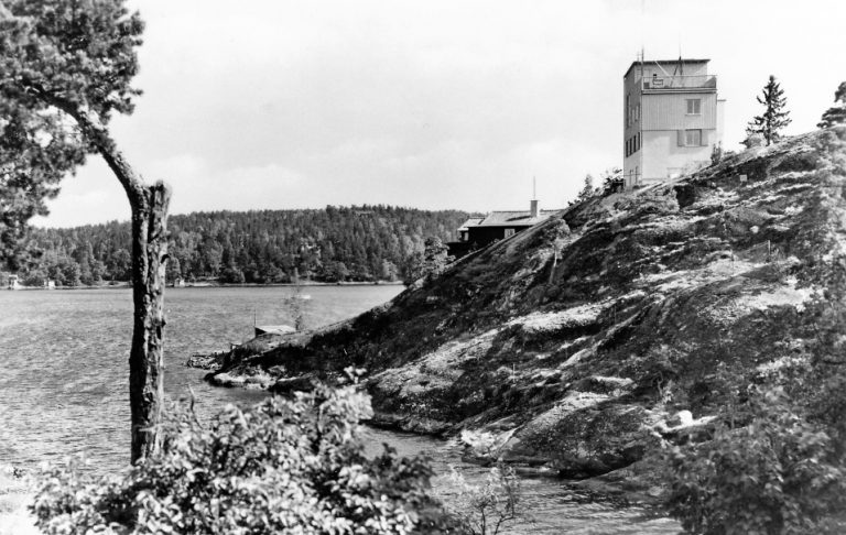 En bild berättar: Marinens Telelaboratorium i Käppala