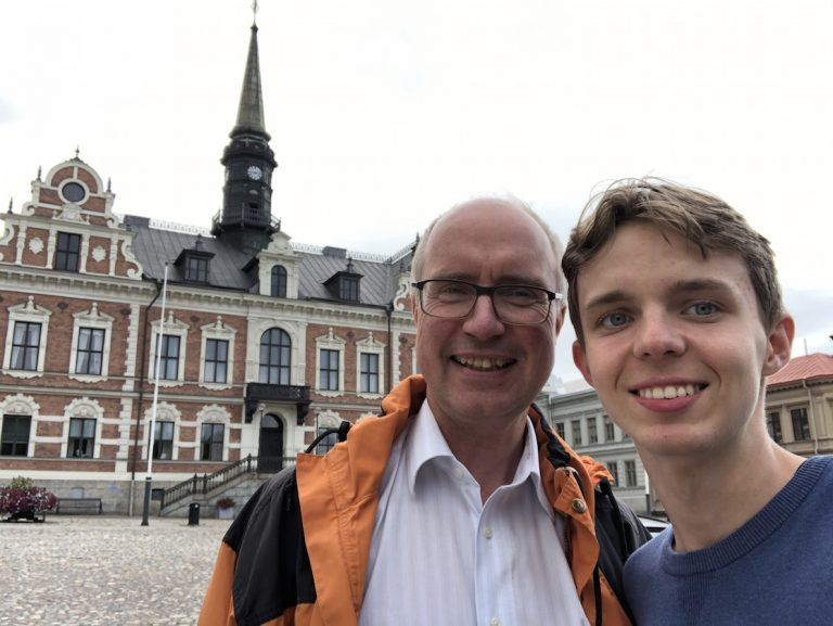 Lidingöbon Philip, 16, har besökt alla kommuner i Sverige