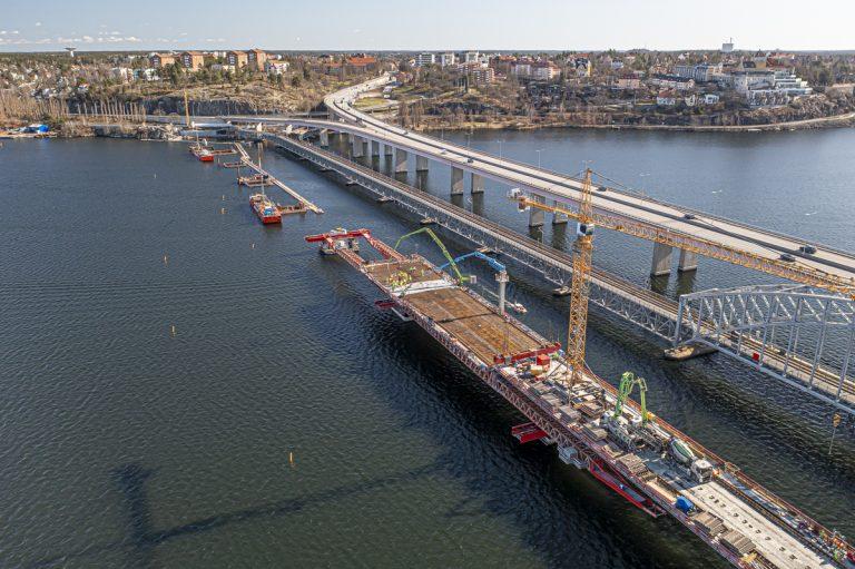 Bron står inte still under stilla veckan