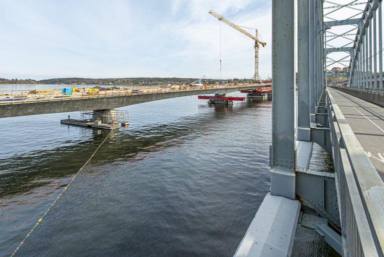 Ändrade farleder för båttrafiken vid bron