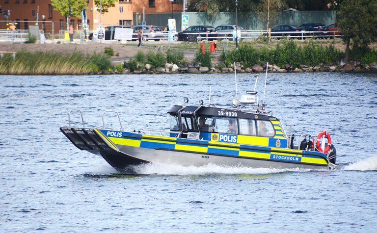 Båt kraschade utanför Lidingö – två till sjukhus