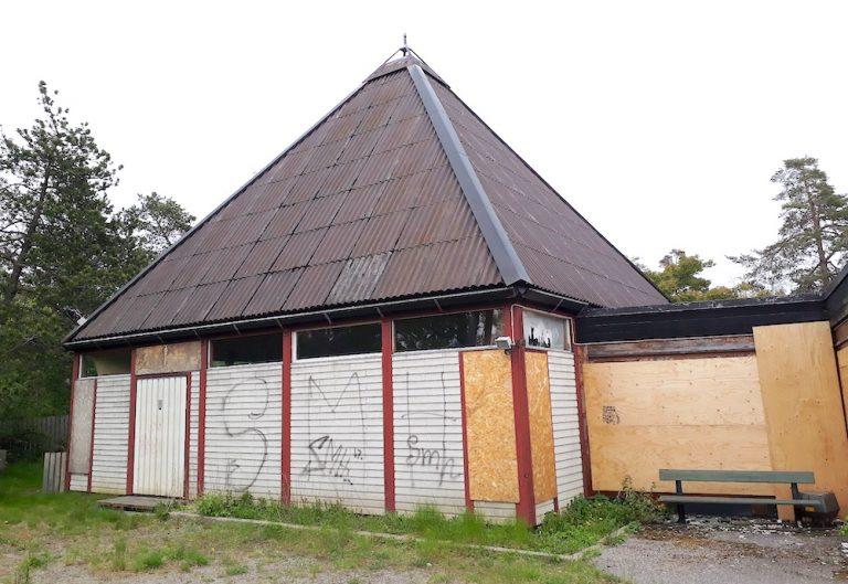 Ska Rudboda kyrka rivas eller inte?