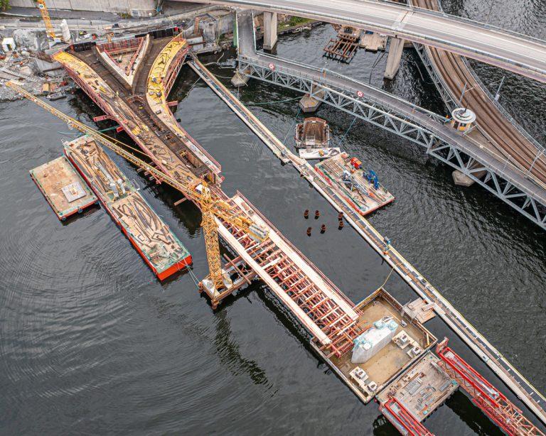 Gjutning och dykning vid bron